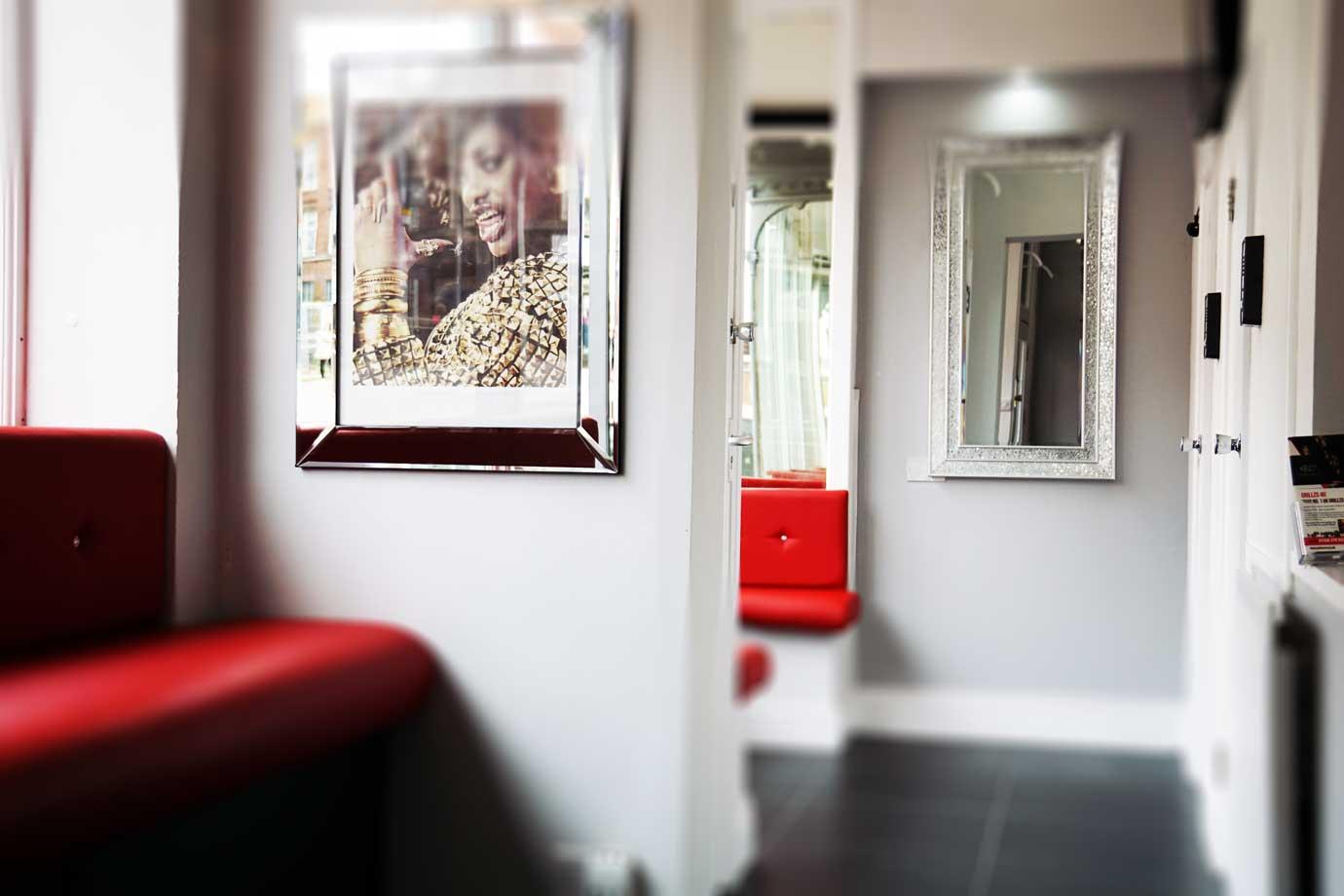 Grillzs-4u-Interior-Red-Seating